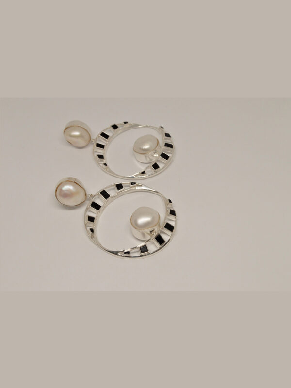 earrings pearls and black onyx