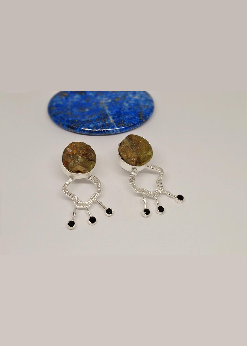 earrings peridot and onyx